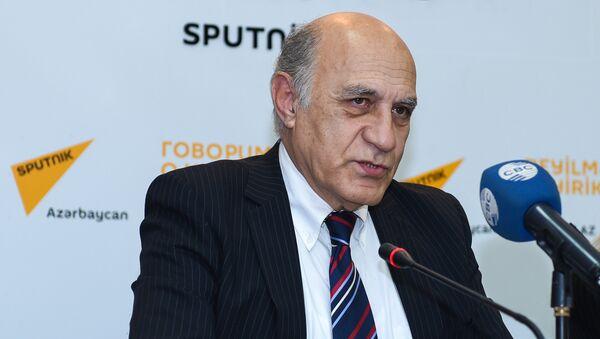 политолог Фикрет Садыхов - Sputnik Азербайджан