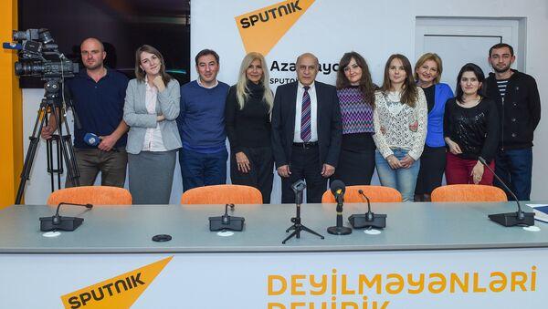 На мероприятии в Мультимедийном пресс-центре Sputnik Азербайджан было обсуждено будущее азербайджанского телевидения - Sputnik Азербайджан
