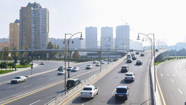 Дорожная развязка на проспекте Гейдара Алиева в Баку, фото из архива - Sputnik Azərbaycan