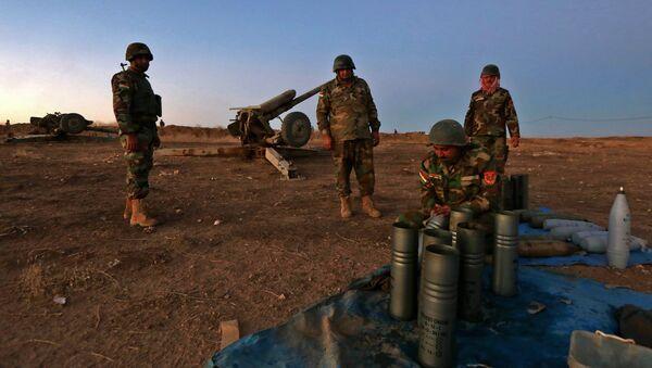 Бойцы курдского ополчения (пешмерга) готовятся к операции по освобождению Мосула в Ираке - Sputnik Азербайджан
