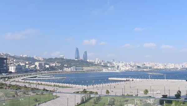 Вид на архитектурный комплекс Башни Пламени в Баку - Sputnik Азербайджан