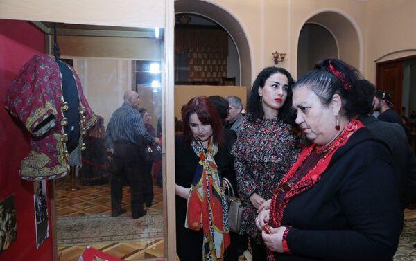 В экспозицию включены материалы музея по этнографии, археологии и специальных фондов. - Sputnik Азербайджан