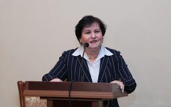 Директор Национального музея истории Азербайджана, академик Наиля Велиханлы - Sputnik Азербайджан
