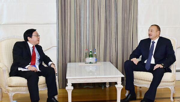 Prezident İlham Əliyev və Asiya İnkişaf Bankının vitse-prezidenti Vençay Janqın görüşü - Sputnik Azərbaycan