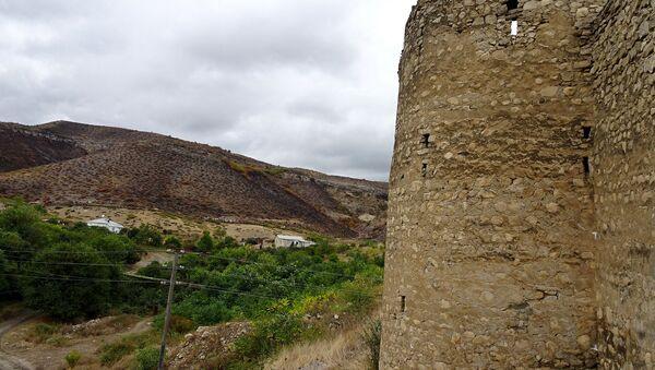 Аскеранская крепость в оккупированном Аскеранском районе Азербайджана, фото из архива - Sputnik Azərbaycan