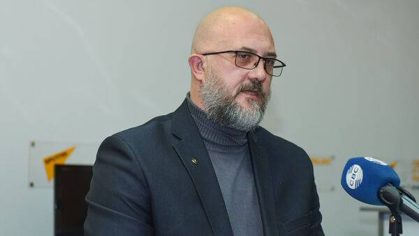 Российский политолог Евгений Михайлов в Мультимедийном пресс-центре Sputnik Азербайджан - Sputnik Азербайджан