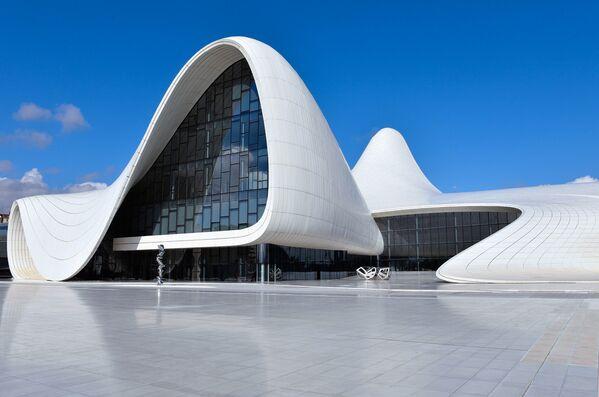Здание Центра Гейдара Алиева в Баку - Sputnik Азербайджан