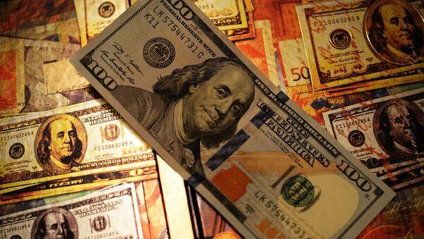 Доллары США, фото из архива - Sputnik Азербайджан