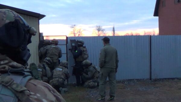 Задержание боевиков ИГ, готовящих теракты в Москве и Ингушетии - Sputnik Азербайджан