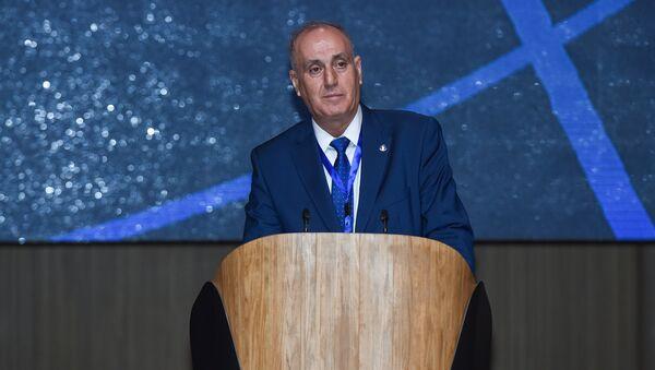 Выступление генерального директора Азербайджанского агентства новостей Азертадж Аслана Асланова на V Всемирном конгрессе новостных агентств в Баку - Sputnik Азербайджан
