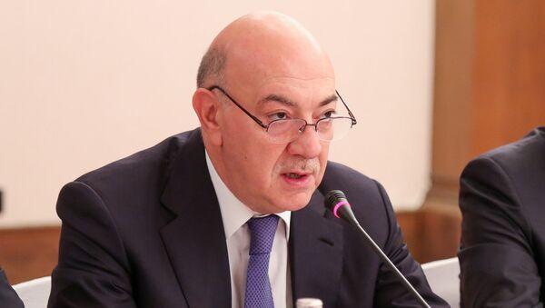Заведующий отделом по работе с правоохранительными органами Администрации Президента Азербайджанской Республики, член Комиссии по борьбе с коррупцией Фуад Алескеров - Sputnik Азербайджан
