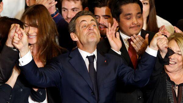 Николя Саркози во время избирательной кампании в Марселе, Франция, 27 октября 2016 года - Sputnik Азербайджан