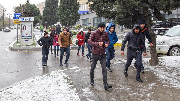 Первый снег в Баку, архивное фото - Sputnik Азербайджан