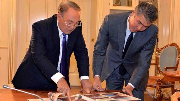 Nursultan Nazarbayev və Aset İsekeşev - Sputnik Azərbaycan