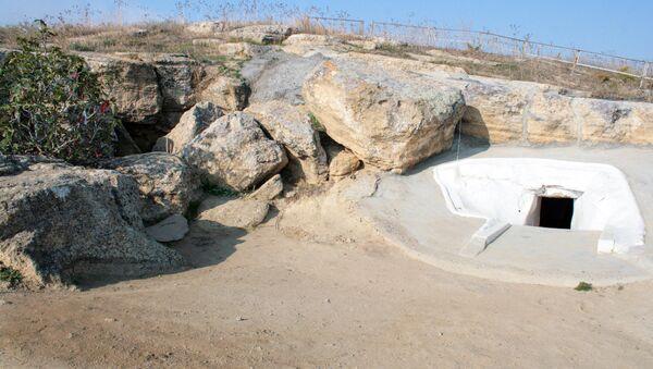 Пещера Вагам в поселке Гарачала Сальянского района - Sputnik Азербайджан