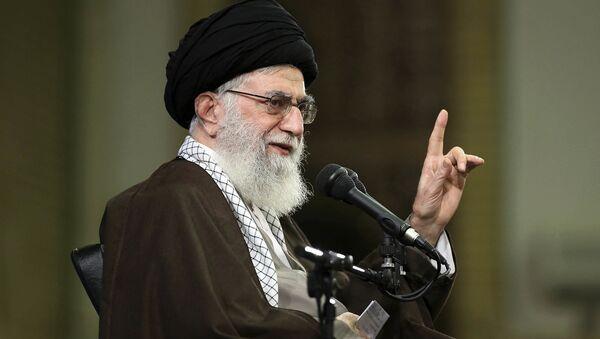 Верховный лидер Ирана аятолла Али Хаменеи - Sputnik Азербайджан