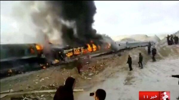 В Иране столкнулись два поезда - Sputnik Азербайджан
