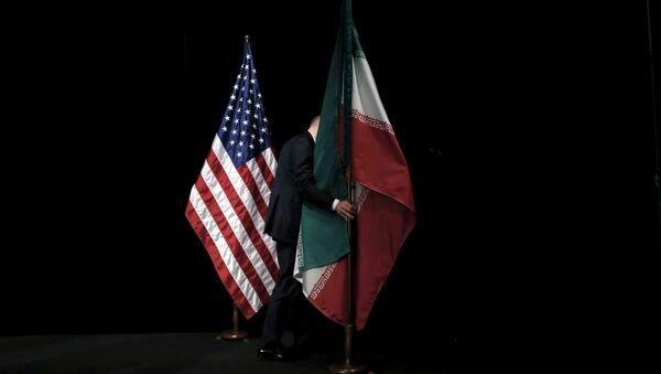 Флаги США и Ирана, фото из архива - Sputnik Азербайджан