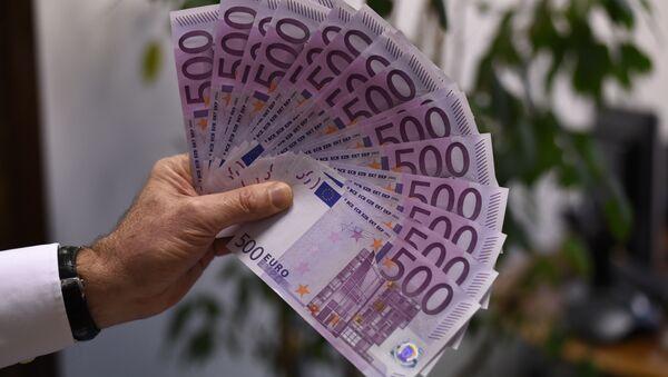 Купюры достоинством в 500 евро, фото из архива - Sputnik Azərbaycan