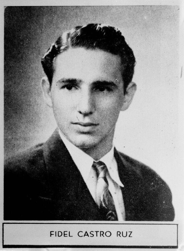 Фидель Кастро в 1945 году - Sputnik Азербайджан