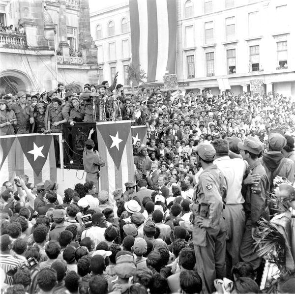Военный министр Кубы Фидель Кастро - Sputnik Азербайджан