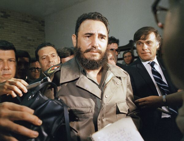 Фидель Кастро в 1974 году - Sputnik Азербайджан