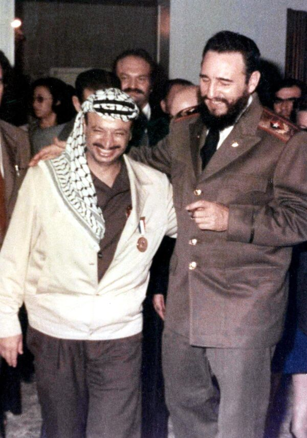 Ясира Арафата и Фидель Кастро - Sputnik Азербайджан