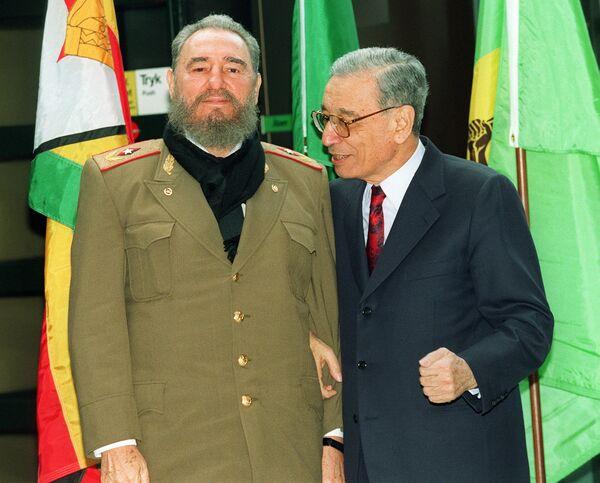 Фидель Кастро и Бутрос Бутрос Гали - Sputnik Азербайджан