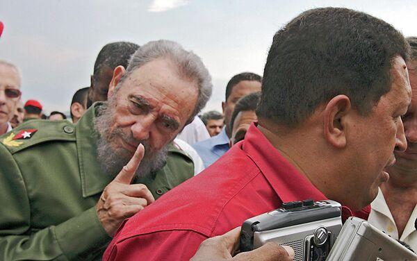 Фидель Кастро и Уго Чавес - Sputnik Азербайджан
