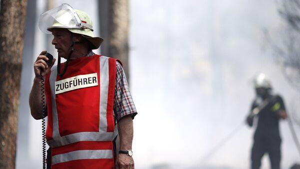 Немецкие пожарные, фото из архива - Sputnik Азербайджан