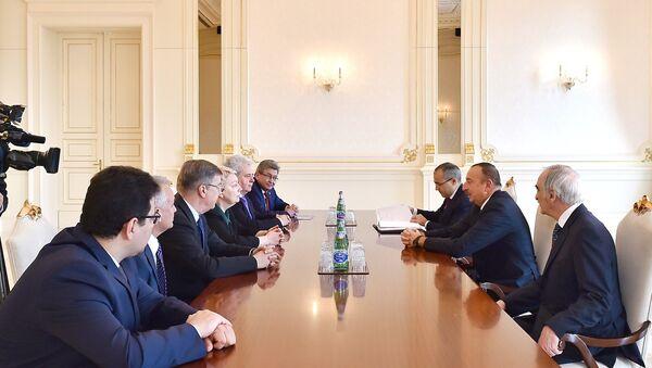 Ильхам Алиев принял делегацию во главе с министром образования и науки России - Sputnik Азербайджан