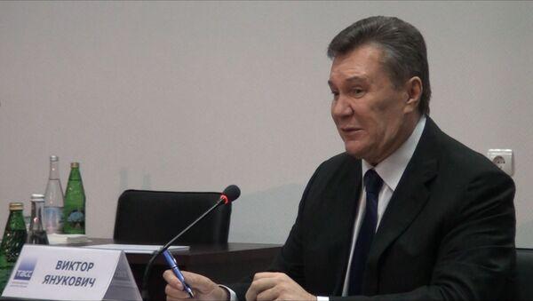 Янукович: нужно думать о том, как объединить две части Украины - Sputnik Азербайджан