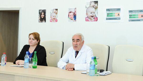 Главный педиатр Министерства здравоохранения АР Насиб Гулиев, архивное фото - Sputnik Азербайджан