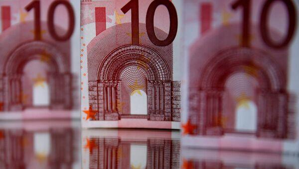 Банкноты достоинством в 10 евро, фото из архива - Sputnik Азербайджан