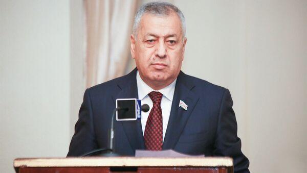 Milli Məclisin deputatı Vahid Əhmədov - Sputnik Azərbaycan