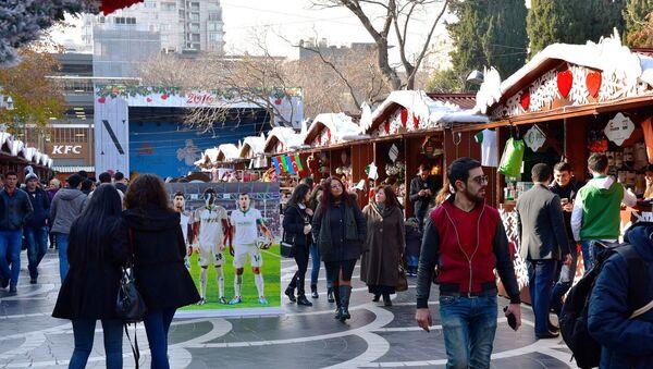 Новогодняя ярмарка в Баку, фото из архива - Sputnik Азербайджан