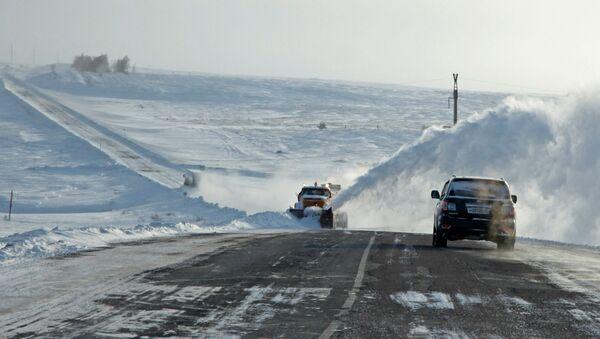 Трасса зимой, фото из архива - Sputnik Азербайджан