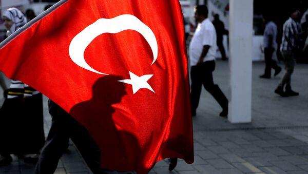 Люди на главной площади Стамбула, Таксим - Sputnik Азербайджан
