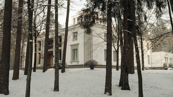 Дом, в котором были подписаны документы о создании СНГ. 8 декабря 1991 года, Беловежская Пуща, Вискули - Sputnik Азербайджан