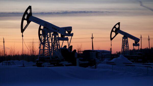 Нефтяные насосы, фото из архива - Sputnik Азербайджан