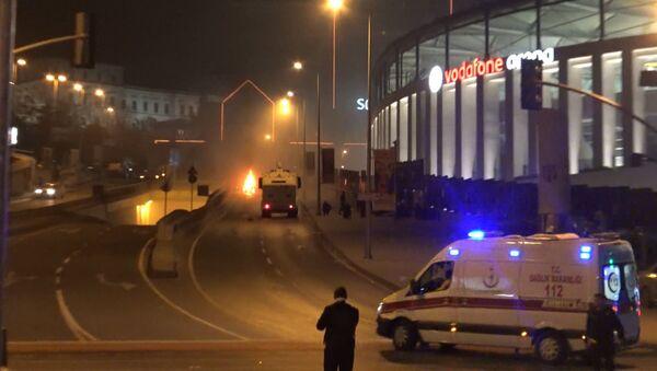 Двойной теракт произошел в центральном районе Стамбула. Кадры с места ЧП - Sputnik Азербайджан