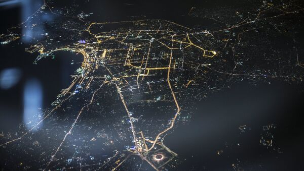 Вид ночного города Баку с самолета - Sputnik Азербайджан
