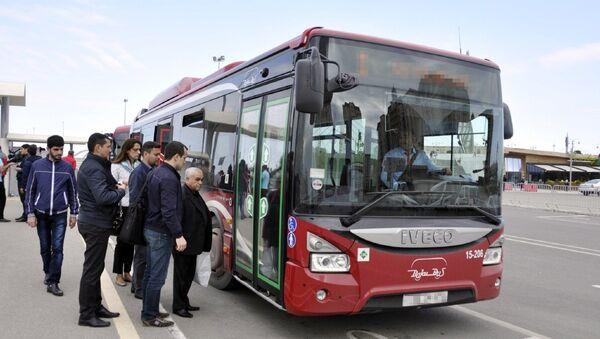 Автобус ООО BakuBus, фото из архива - Sputnik Азербайджан