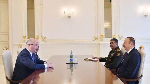 Встреча Президента Азербайджана Ильхама Алиева с делегацией во главе с министром обороны Грузии Леваном Изория - Sputnik Азербайджан