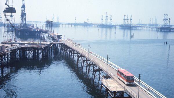 Вид на Морской промысел нефтеперерабатывающего управления - Sputnik Азербайджан