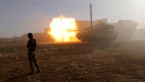 Türkiyə ordusuna aid tankı Suriyada, arxiv şəkli - Sputnik Azərbaycan