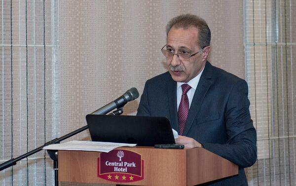 Исполнительный директор Фонда Знание Октай Самедов - Sputnik Азербайджан
