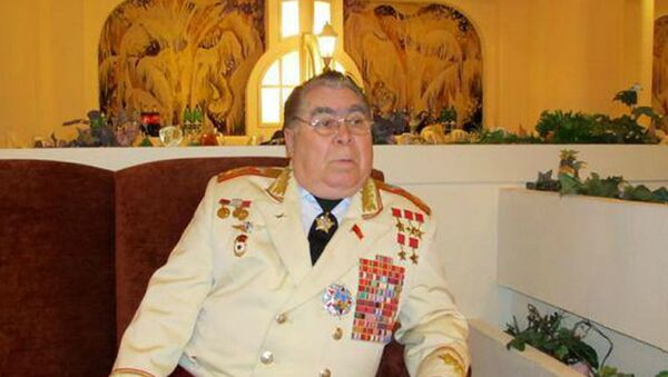 Двойник Леонида Брежнева – Борис Макаров - Sputnik Азербайджан