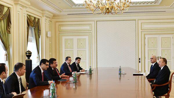Президент Азербайджана Ильхам Алиев принял министра экономики Турции Нихата Зейбекчи - Sputnik Азербайджан