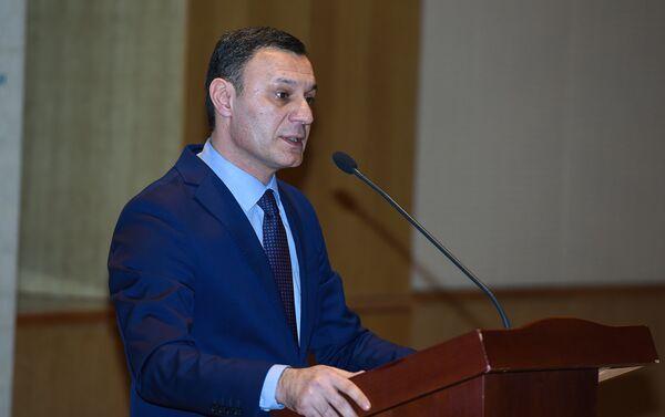 Выступление председателя Общественного совета по работе с молодежью при Министерстве молодежи и спорта АР Нураддина Мехтиева - Sputnik Азербайджан